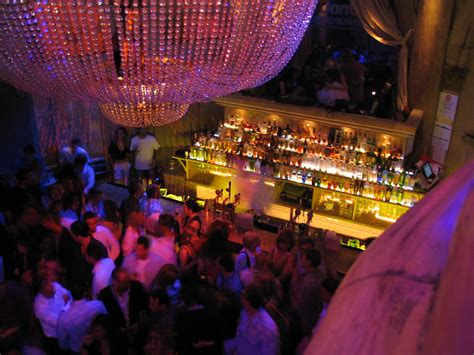Top Bars for a Unique Night Out in Tangier