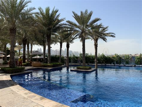 Fairmont the Palm hotel Dubai review and how to stack