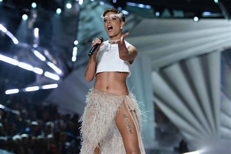 Halsey calls out Victoria's Secret Show: 'I have no