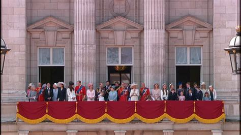 The return to Buckingham Palace