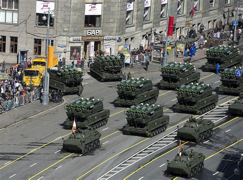 Tanks, jets star in Moscow rehearsal of Victory Day parade