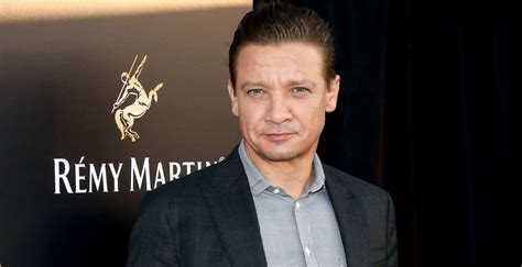 Jeremy Renner Net Worth 2020: Age, Height, Weight, Wife