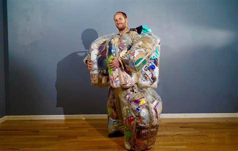30 DAYS OF TRASH IN PHOTOS