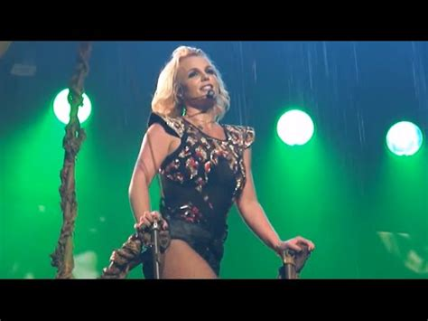 Britney Spears - Toxic Live From Las Vegas [Piece of Me