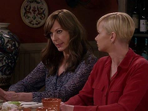 Mom 3x13 Die Sirup-Mafia (Sticky Hands and a Walk on the
