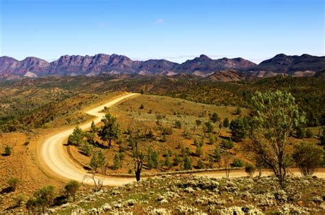 Flinders Ranges National Park, Wilpena Pound & Rawsley Park